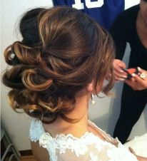 half-up-hairstyles-for-bridesmaids-wedding-hairstyles-1-02082014