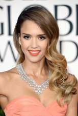 Jessica-Alba-Long-Wavy-Hairstyle-2013