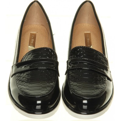 black-snake-print-loafer-shoe-rack