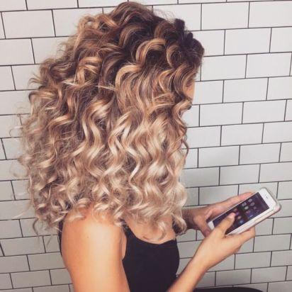 curly-hair-oily-hair-style